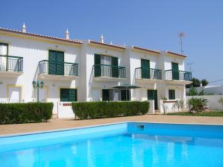 Top quality townhouse & pool - Vila Nova de Cacela vacation rentals