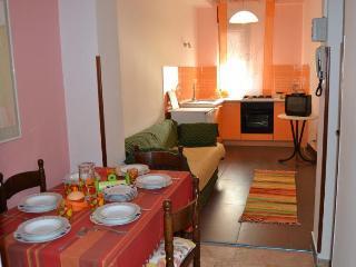 Casa Vacanza con 3 camere a 250 metri dal mare - Castellammare del Golfo vacation rentals