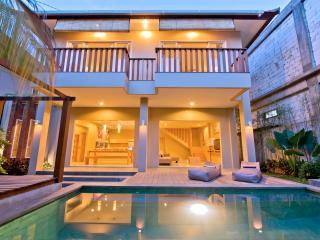 Easy 3 BR  Villa,charming villa on Seminyak beach - Seminyak vacation rentals