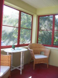 Cozy House with Deck and Internet Access - Minneapolis vacation rentals