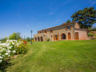 La Contea with swimming pool and panoramic view near Cortona - Cortona vacation rentals