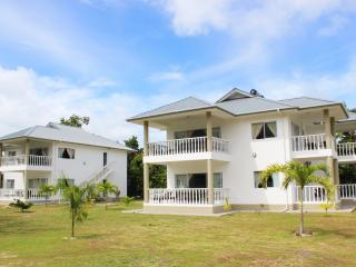 Casa Tara Villas 2 - Amitie vacation rentals
