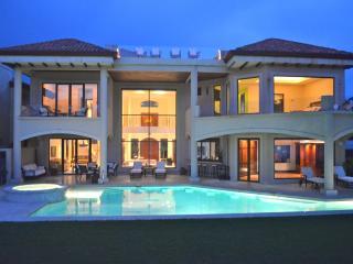 Amazing Ocean Front Villa Royal Palms - Jaco vacation rentals