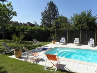 Charming Gite with Internet Access and Satellite Or Cable TV - La Chapelle-Mouliere vacation rentals