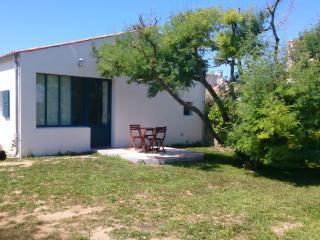 Bright 2 bedroom House in Saint-Pierre d'Oleron - Saint-Pierre d'Oleron vacation rentals