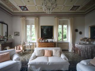 Villa Annalisa with pool/park - La Spezia vacation rentals