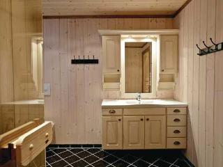 Wonderful 6 bedroom Villa in Trondelag with Internet Access - Trondelag vacation rentals