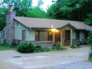 Rock Cliff Cabin - Broken Arrow vacation rentals