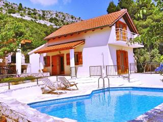 Villa with pool between Split and Omis - Omis vacation rentals