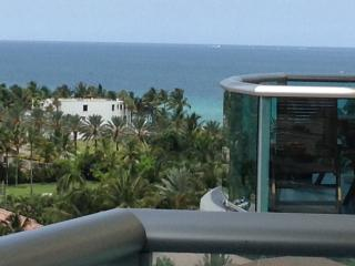 Luxury 2Bed Apartment one step away from the beach/OCEAN VIEW - Sunny Isles Beach vacation rentals