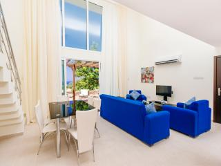 Luxurious Appartment + pool and sea-view - Tatlisu vacation rentals
