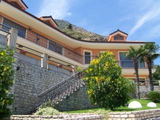 VILLA KLIMT CON GIARDINO-TERRAZZA PANORAMICO MARE - Castellammare del Golfo vacation rentals