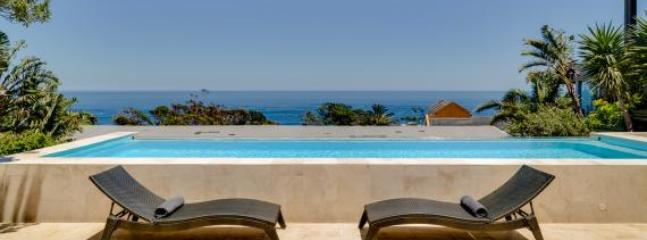 A 5 Bedrooms luxurious house in Camps Bay - Cape Town vacation rentals