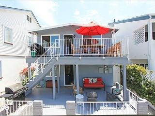 Newly furnished bayside home, steps to the bay and a short walk to the beach - Newport Beach vacation rentals