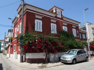 Charming and comfortable Villa - Costa da Caparica vacation rentals