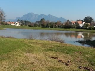 Cozy 2 bedroom House in Suider Paarl with Deck - Suider Paarl vacation rentals
