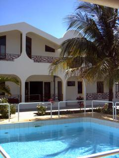 Bright 7 bedroom Albion Villa with Internet Access - Albion vacation rentals