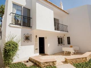 Vale do Lobo townhouse,  five minute walk to beach - Vale do Lobo vacation rentals