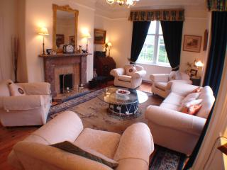 Charming 7 bedroom Comrie House with Internet Access - Comrie vacation rentals