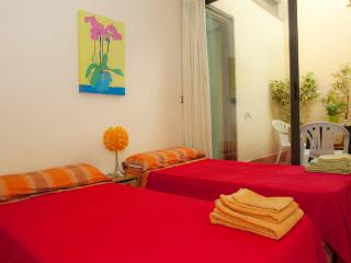 PARC GUELL, 2 bedrooms, SUNNY - Barcelona vacation rentals