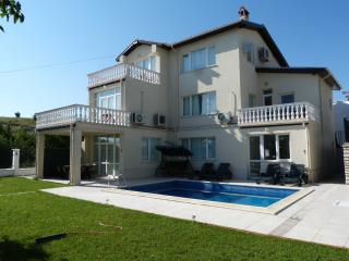 "Villa ""LUCIA"", 3 km from Blue Flag Sandy Beach. - Balchik vacation rentals"