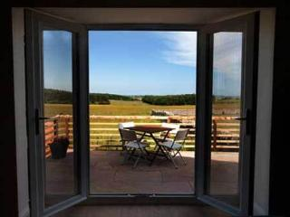 Perfect 2 bedroom Cottage in Ellingham with Internet Access - Ellingham vacation rentals