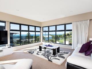 SEAVIEWS AT MARENGO BEACH - Johanna vacation rentals