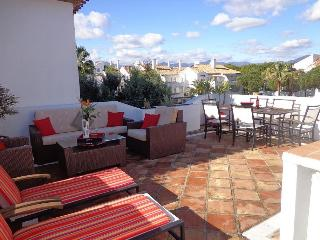 2 bedroom Penthouse with Internet Access in Estepona - Estepona vacation rentals