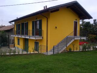 Nice Farmhouse Barn with Balcony and Central Heating - Barolo vacation rentals