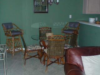 2 bedroom Apartment with Internet Access in Laguna Vista - Laguna Vista vacation rentals