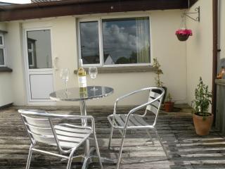Bright 1 bedroom Bungalow in Braunton with Internet Access - Braunton vacation rentals