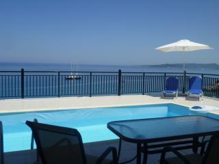 Perfect 3 bedroom Agios Nikolaos Villa with A/C - Agios Nikolaos vacation rentals
