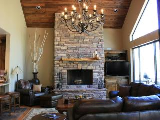 Elegant Torreon Mountain Home with Golf Views! - Lakeside vacation rentals