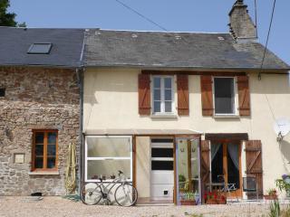 Chez Helen - Saint-Sulpice-les-Feuilles vacation rentals
