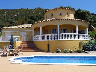 Stunning Villa with Heated Pool:  Quiet Location. - Palau-Saverdera vacation rentals