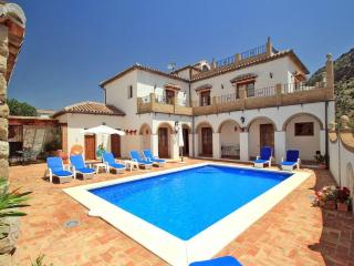 Beautiful 4 bedroom Montejaque Villa with Internet Access - Montejaque vacation rentals