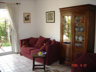 Small Provencal Villa Aix-en-Provence LeTholonet - Le Tholonet vacation rentals