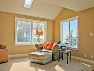 Stunning Whidbey Waterfront !!! - Oak Harbor vacation rentals