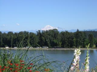 Fraser Riverview Holiday Apart - Maple Ridge vacation rentals