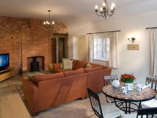 Beautiful 2 bedroom Cottage in Petersfield - Petersfield vacation rentals