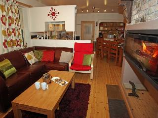 Perfect 4 bedroom House in Lisnaskea with Internet Access - Lisnaskea vacation rentals
