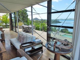 House of the bay, a designer's dream facing lagoon - Noumea vacation rentals