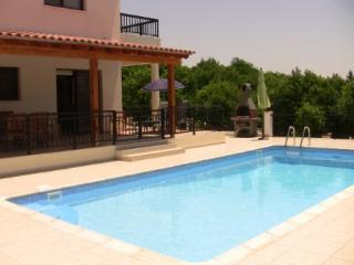 Perfect Villa with A/C and Satellite Or Cable TV - Peyia vacation rentals