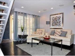 Contemporary Unit In Central Phoenix - Central Arizona vacation rentals
