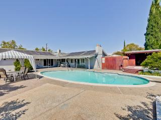 4 Beds/2 Bath with swimming pool - Redwood City vacation rentals