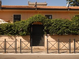Small villa near MetroA - Rome vacation rentals