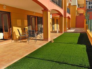 Comfortable 3 bedroom Costa Esuri Condo with Internet Access - Costa Esuri vacation rentals