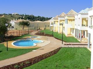 Jardim das Alfarrobeiras - Ferreiras vacation rentals