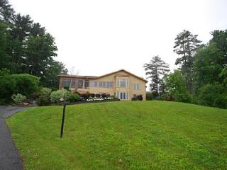 Saratoga Lake Luxury Home - Malta vacation rentals