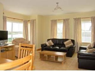 Beautiful 3 bedroom Enniskillen Cottage with High Chair - Enniskillen vacation rentals